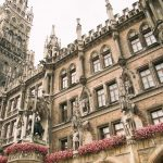 """A banda The Fray usou a cidade de Munique, na Alemanha, como inspiração para o título da música """"Munich"""", que retrata uma conturbada história de amor"""