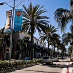 """A cidade de Beverly Hills, nos Estados Unidos, é o centro das atenções da música """"Beverly Hills"""", do Weezer"""