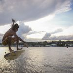 """O Natiruts tem uma música chamada """"Surfista do lago Paranoá"""", que faz referência ao ponto turístico de Brasília, no Distrito Federal"""