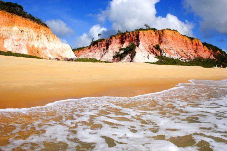 Além da linda praia, Trancoso (BA) conta com bons hotéis para receber os turistas e, no verão, ganha uma atmosfera à la Ibiza