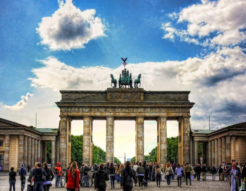 """Na comédia """"EuroTrip - Passaporte para a Confusão"""" (2004), uma turma de amigos viaja pela Europa com destino a Berlim, na Alemanha (foto). Eles passam por países como Inglaterra, França, Holanda, Eslováquia e Itália"""