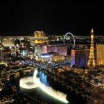 """O roqueiro Elvis Presley fez uma baita homenagem à Cidade do Pecado em """"Viva Las Vegas"""""""