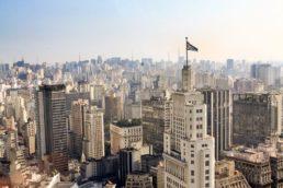 O Edifício Altino Arantes, também chamado de Prédio do Banespa, tem um dos mirantes mais legais da capital. A construção teve como inspiração o arranha-céu Empire State Building, símbolo de Nova York, nos EUA