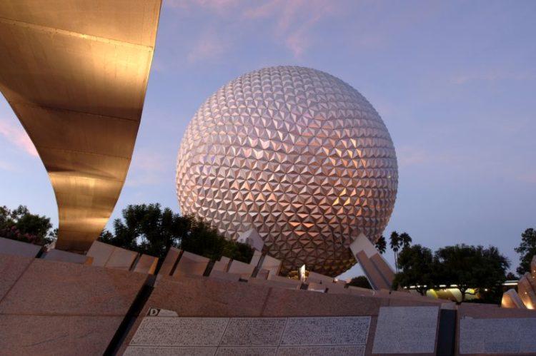 Spaceship Earth, no Epcot, em Orlando, nos Estados Unidos