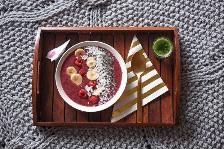 O açaí é fonte de energia saudável e pode ser consumido puro ou acompanhando de frutas. A sobremesa, que também pode servir como uma refeição, é feita da fruta que lhe dá o nome
