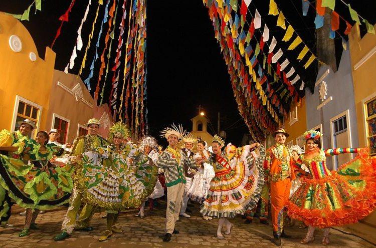 Carnaval, São João e Festival Folclórico estão entre os mais animados