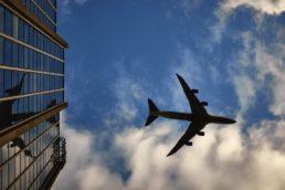 Site envia promoções em passagens aéreas diretamente para o smartphone |VisualHunt