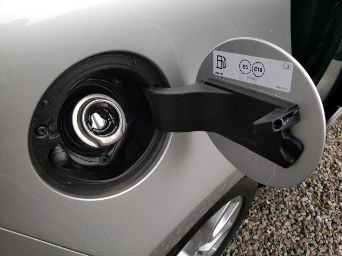 Compartimento de combustível do V40