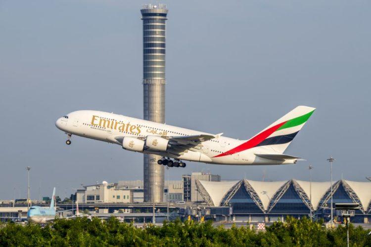 Emirates lança linha exclusiva de vinhos para a primeira classe de alguns voos  Foto: Kan_Rattaphol on VisualHunt.com / CC BY-NC-ND