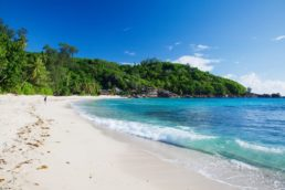 Confira 5 motivos para conhecer as Ilhas Seychelles |jmhullot on VisualHunt / CC BY