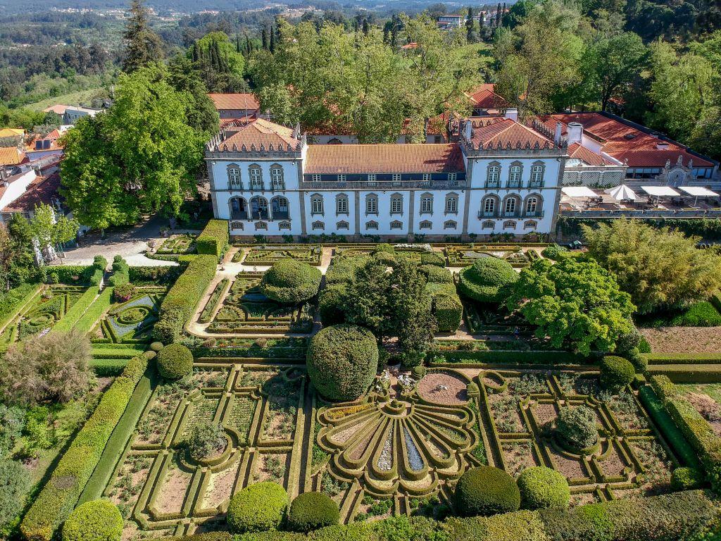 Festas em setembro agitam viagem a Portugal