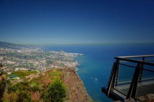 Do mirante Cabo Girão é possível ter uma bela vista da cidade |Divulgação