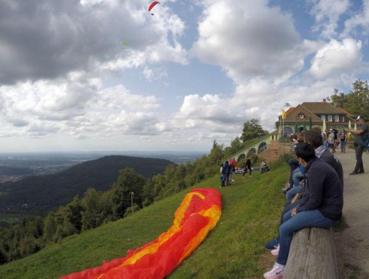 Paraquedas no Monte Mekur