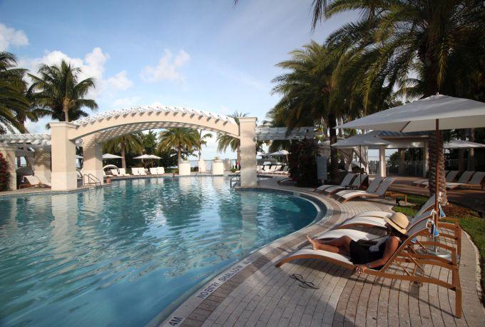Piscina em hotel Key Largo