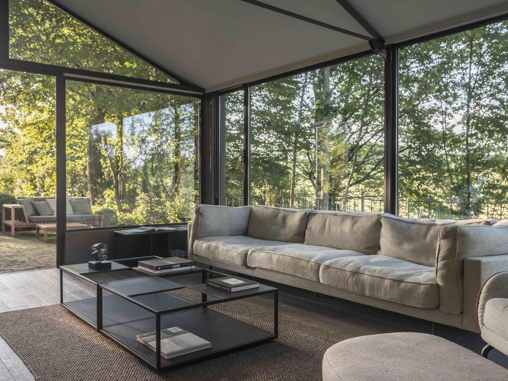 Casa de vidro com design moderno | Divulgação