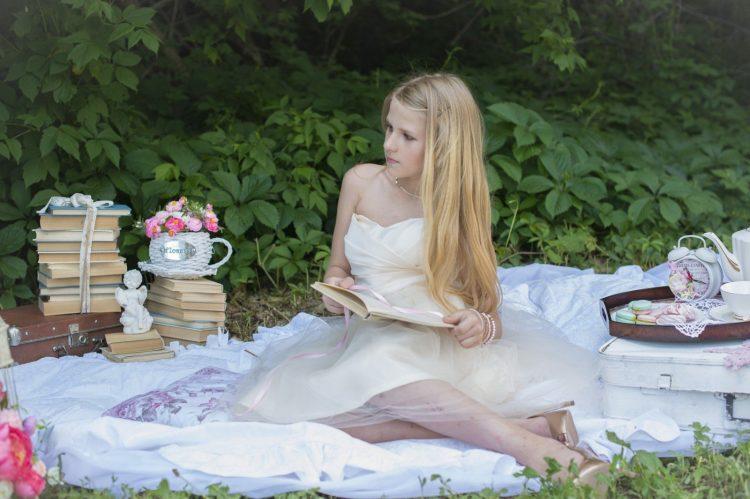 Lady picnic