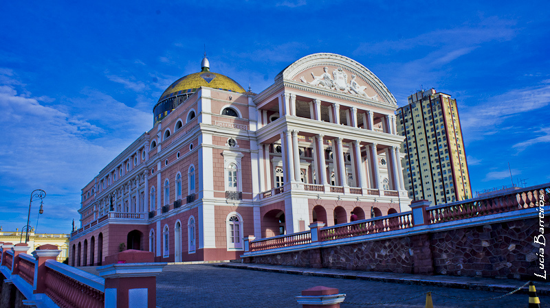 "Teatro Amazonas | <a href=""https://www.flickr.com/photos/lubasi/6315863628/"">lubasi</a> on <a href=""https://visualhunt.com/photos/city/"">VisualHunt</a> / <a href=""http://creativecommons.org/licenses/by-sa/2.0/""> CC BY-SA</a>"