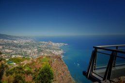 Os cenários - Além das praias e da floresta, a Madeira tem montanhas, vinhedos, vilas charmosas e uma capital animada. O conjunto garante cenários impressionantes, como um centro histórico e mirantes com vistas atrativas | Divulgação