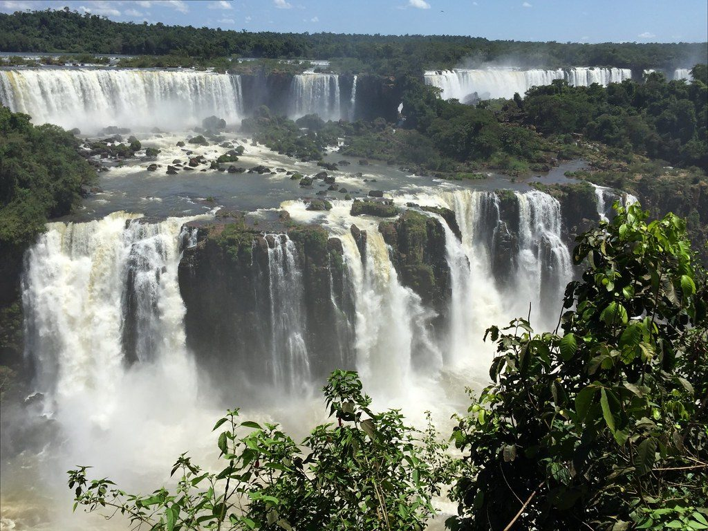 "Cataratas de Foz do Iguaçu | <a href=""https://visualhunt.co/a1/88eefa"">ER's Eyes</a> on <a href=""https://visualhunt.com/re3/f30369ec"">VisualHunt</a> / <a href=""http://creativecommons.org/licenses/by-nc-sa/2.0/""> CC BY-NC-SA</a>"