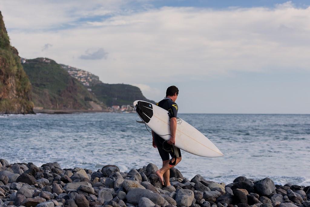 Surf, uma das atividades físicas mais populares da Ilha da Madeira