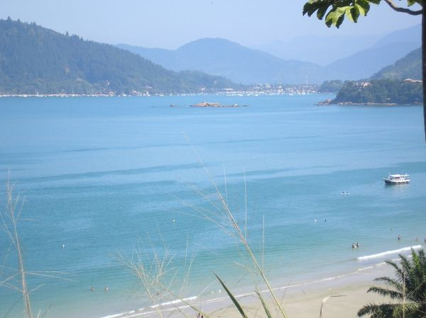 "Praia de Ubatuba | <a href=""https://visualhunt.co/a2/57820498"">jacksonramone</a> on <a href=""https://visualhunt.com/re4/71c384c2"">Visualhunt.com</a> / <a href=""http://creativecommons.org/licenses/by-nc-sa/2.0/""> CC BY-NC-SA</a>"