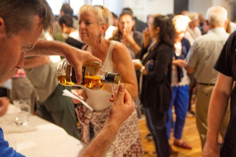Principal bebida do país é celebrada durante o mês do uísque na Escócia