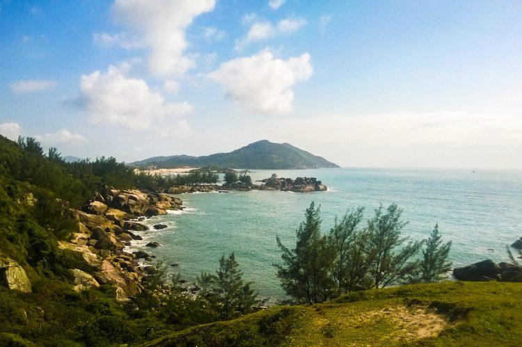 Praia do Rosa, Santa Catarina   Easy Day. Out on Visualhunt / CC BY