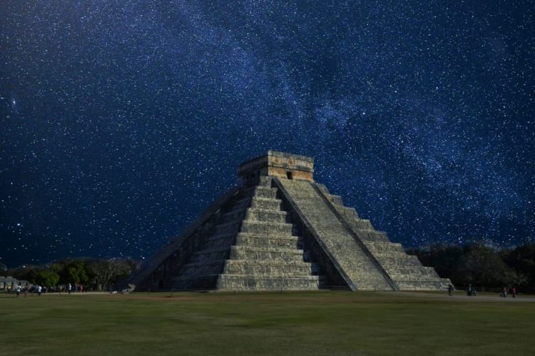 Chichén Itzá | VisualHunt.com