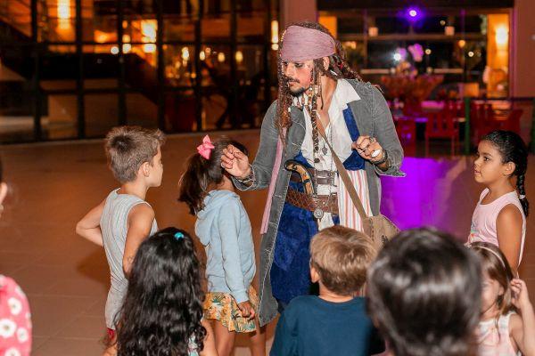Brincadeiras com Jack Sparrow | Divulgação
