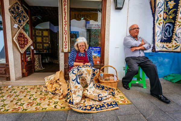 Os tapeceiros atraem a atração dos turistas que passam na região | Divulgação