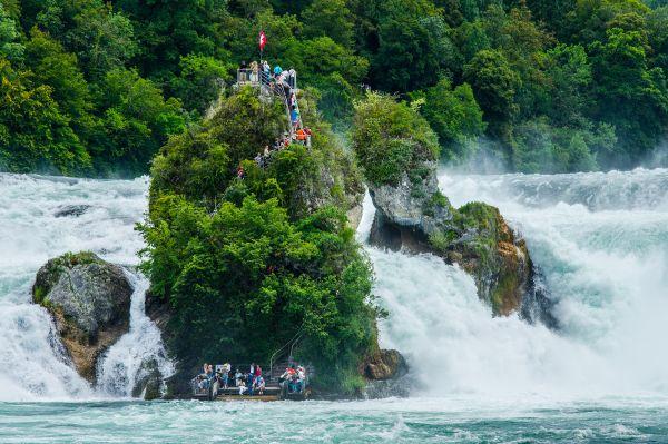 Além dos Alpes, a Suíça guarda inúmeros destinos encantadores | Divulgação