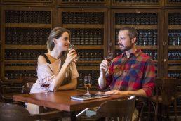 Vinho da Madeira: veja locais para apreciar a bebida