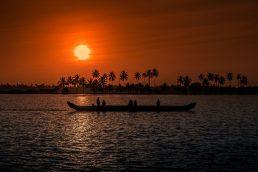 18 - Kerala, Índia - aumento anual de 95% na procura: com seu litoral repleto de palmeiras, plantações de café e vistas deslumbrantes do Mar Arábico, Kerala é um oásis de calma em país que se mexe em ritmo acelerado. E com uma coleção impressionante de praias, lagos, montanhas e quedas d'água, Kerala abriga os melhores destinos eco-friendly. Além disso, o local também promove um programa de turismo responsável que encoraja tanto moradores quanto visitantes a aproveitar de maneira sustentável a cultural local | Pixabay