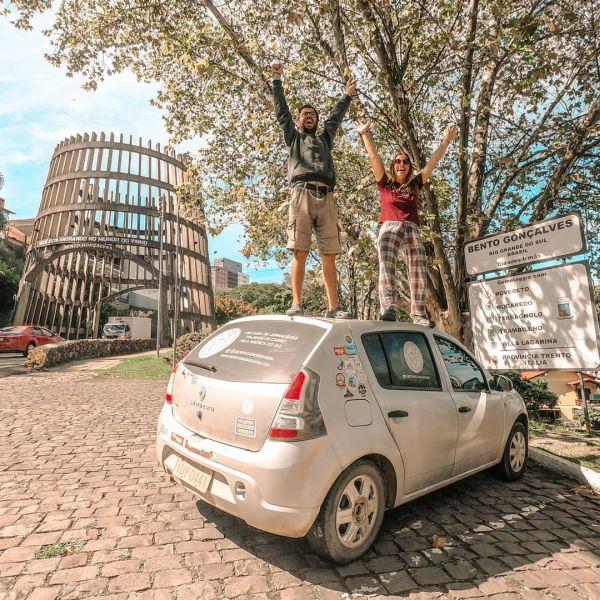 Foto do casal em Bento Gonçalves | Divulgação